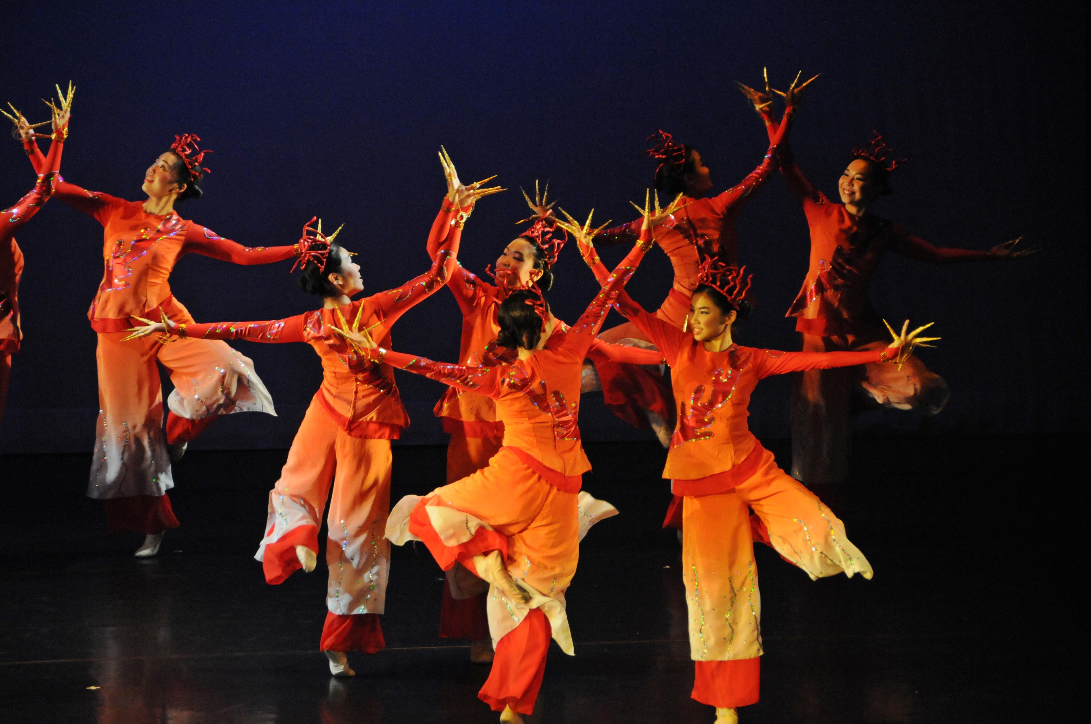 https://hkcchoir.org.hk/sites/default/files/youth_dance_2016wu_yuan_chuan_cheng_4.jpg
